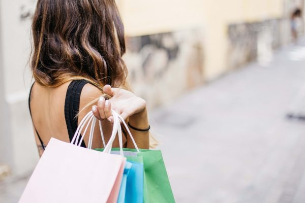 Via allo shopping sfrenato: ecco le date dei saldi invernali 2020