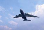 Paura all'aeroporto, velivolo fora una ruota all'atterraggio: necessario l'intervento dei vigili del fuoco