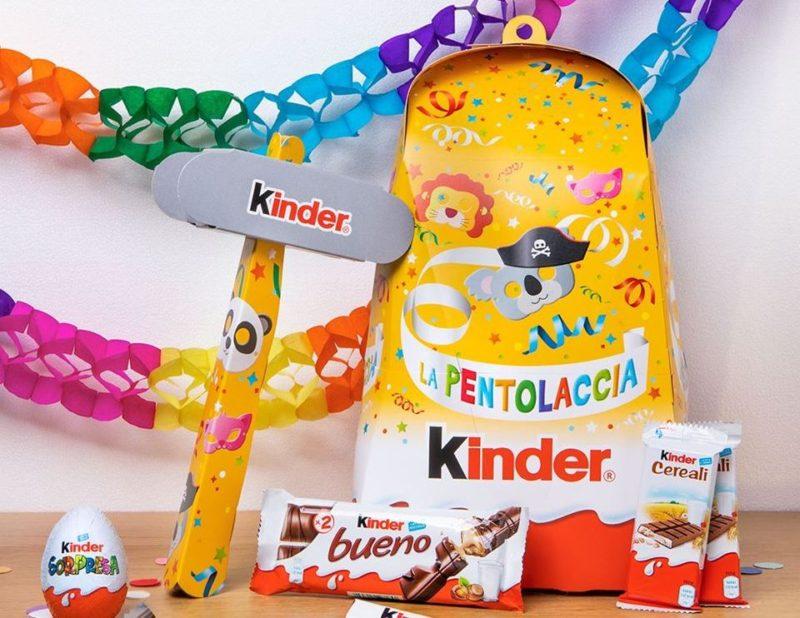 Kinder animera' il Carnevale di Viareggio con la Pentolaccia