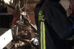 Paura nella notte: crolla palazzina in via Plebiscito. Vigili del fuoco mettono in sicurezza la zona