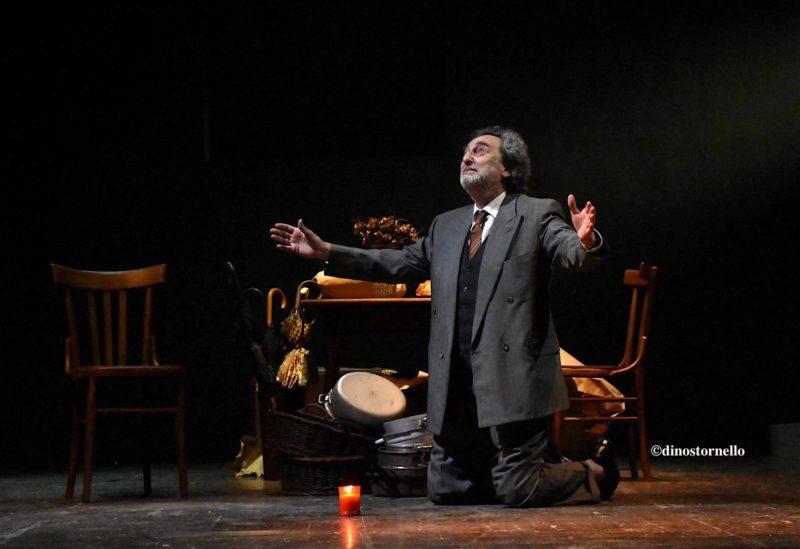 I fantasmi di Eduardo e lo specchio della misera esistenza umana al Teatro Brancati di Catania