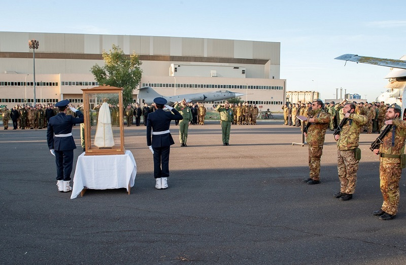 Arriva all'aeroporto di Sigonella la Madonna di Loreto, patrona dell'Aeronautica Militare