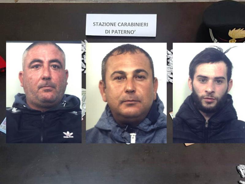 Base di spaccio in un bar del Catanese, droga nelle slot machine e in una stampella: 4 arresti