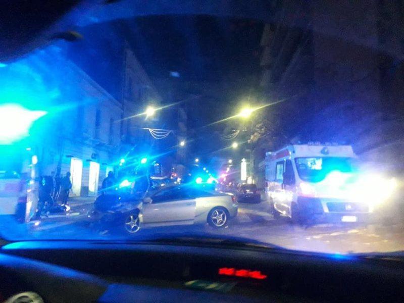 Catania, incidente nella notte tra via Gabriele D'Annunzio e corso delle Province: vigili del fuoco e 118 sul posto – FOTO