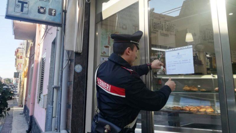 Risse, armi e droga, disposta la chiusura di un noto bar nel Catanese: arriva la decisione del Questore