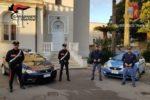 Furto aggravato e tentato furto, carabinieri e polizia smascherano cinque ladri: scattano le manette