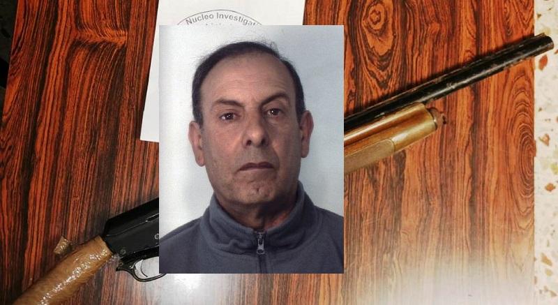"""Fucile a canne mozze nascosto in cucina, blitz nel quartiere Pigno: arrestato un """"tranquillo"""" carrozziere"""