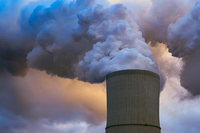 Emergenza smog: macchine ferme nelle principali città. Ma è davvero utile?