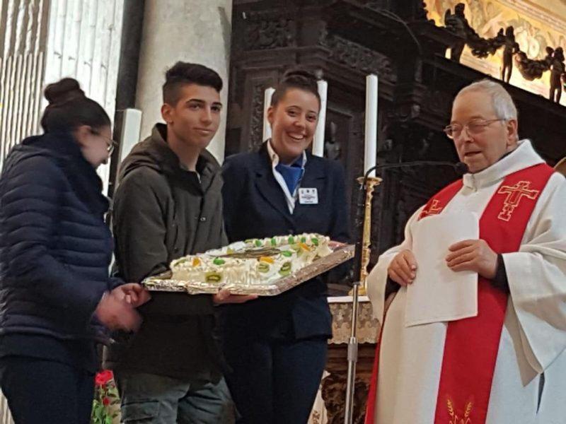 """Gli studenti dell'I.P.S.S.E.O.A. """"K. Wojtyla"""" di Catania partecipano in cattedrale all'Omaggio a S. Agata"""