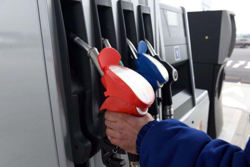 Traffico internazionale di prodotti petroliferi, 49 denunciati