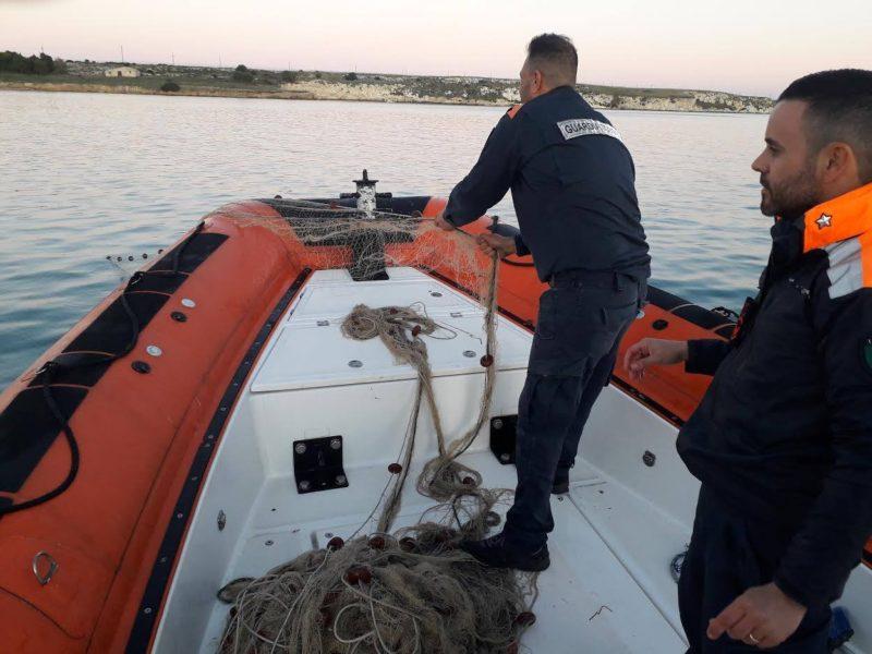 Guardia Costiera, pesca illegale nella zona dell'area protetta del Plemmirio: elevate sanzoni