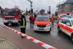 Auto invade sfilata di Carnevale e travolge numerose persone, anche bimbi: arrestato conducente