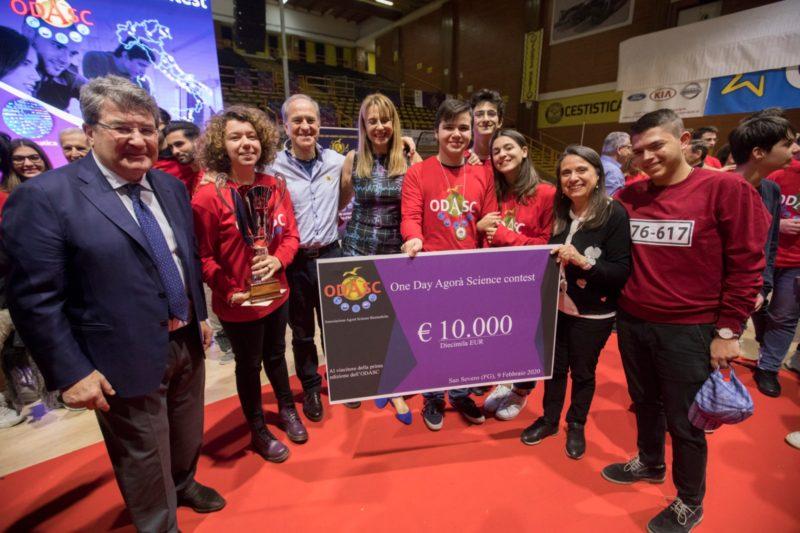 Il team del Galilei vince la prima maratona di scienze italiana