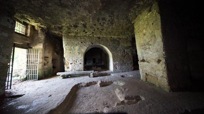 """La chiesa rupestre del Crocifisso è un """"Luogo del cuore"""" Fai: 10mila euro per il restauro del Cristo Pantocratore"""