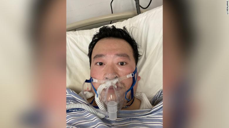 Coronavirus, morto in Cina il medico che diede l'allarme per primo: era stato contagiato dalla malattia