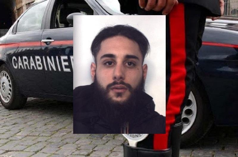 Catania, blitz in via Vittorio Emanuele: droga e soldi falsi, arrestato Vincenzo Romano