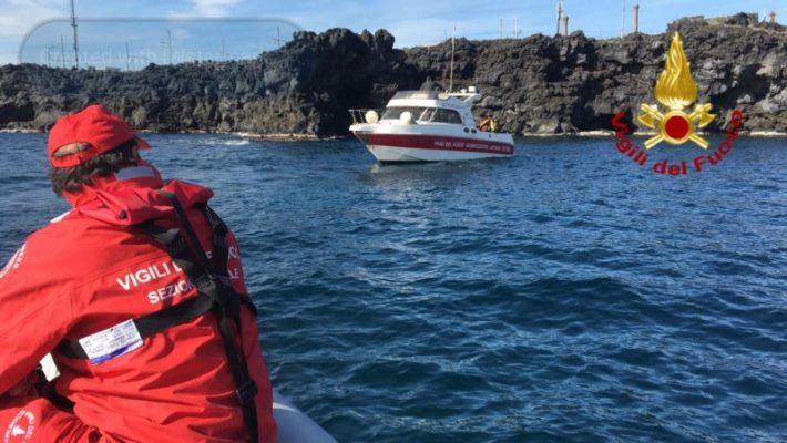 Tragedia a Catania, trovato altro cadavere in mare davanti alla stazione – FOTO e VIDEO