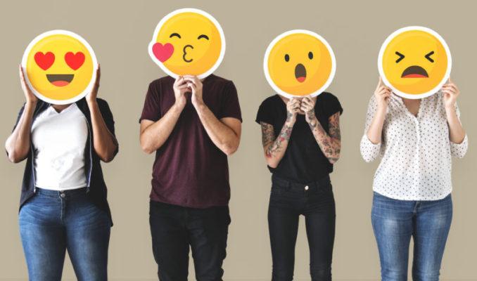 Emoticon, emoji e i cambiamenti nella comunicazione: i simboli hanno sostituito davvero le parole?