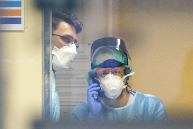 Tre medici dell'ospedale di Enna positivi: contatti con paziente deceduta e trasferita senza tampone. Aperto fascicolo