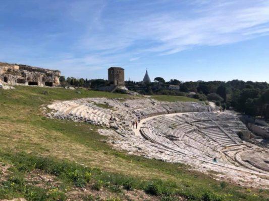 """Al via dal 18 luglio le visite serali alla Neapolis di Siracusa. Samonà: """"Opportunità per chi vuole coniugare natura e cultura"""""""