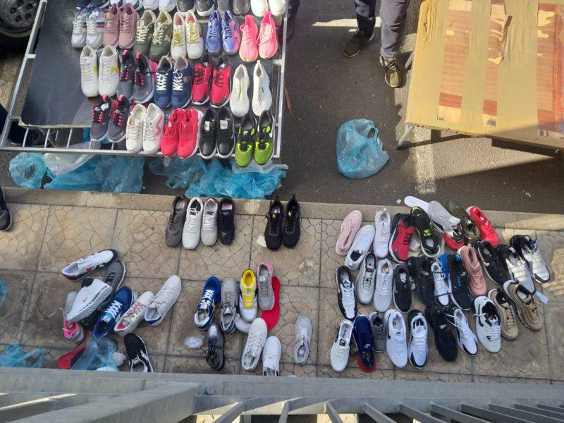 Catania, lotta all'abusivismo in Corso Sicilia: sequestrata merce contraffatta, venditori in fuga
