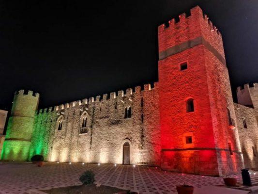 Sicilia, il tricolore contro il Coronavirus: palazzi illuminati con i colori della bandiera
