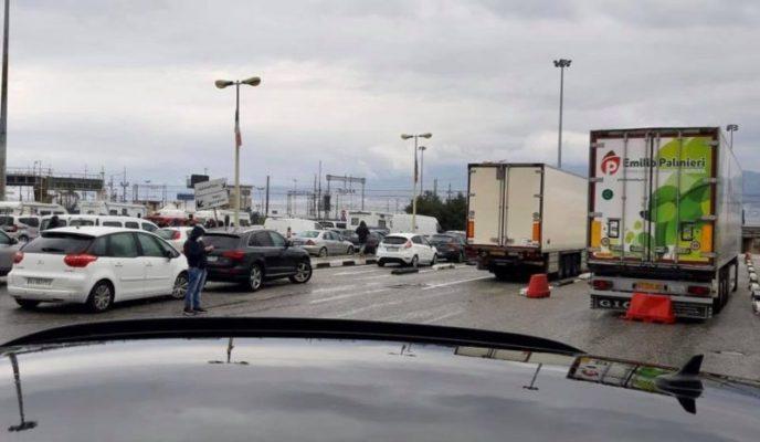 Boom di macchine verso la Sicilia, Reggio Calabria sommersa. Parla il sindaco Falcomatà
