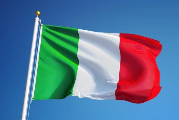 Dal lockdown ai gol di Chiesa e Jorginho, l'Italia ritrova l'entusiasmo e il Tricolore torna nelle piazze