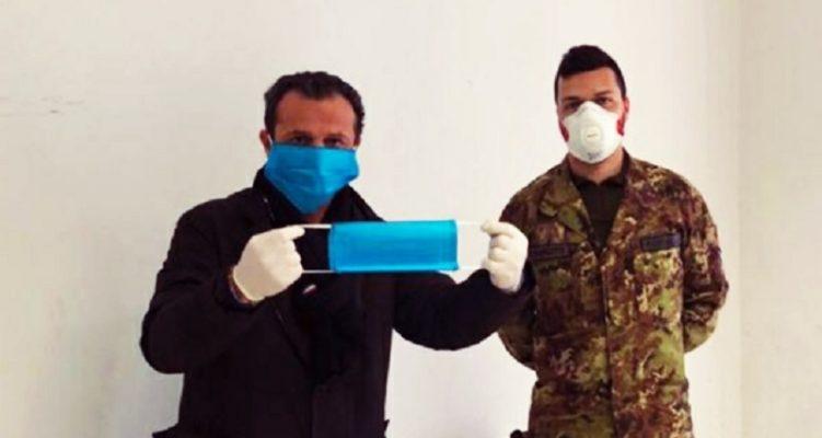 """Messina, il Governo delegittima la distribuzione gratuita delle mascherine fai da te. De Luca: """"Perché non le garantite voi"""""""