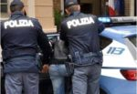 Movimenti sospetti vicino a un magazzino, polizia scopre cocaina all'interno: arrestato pusher