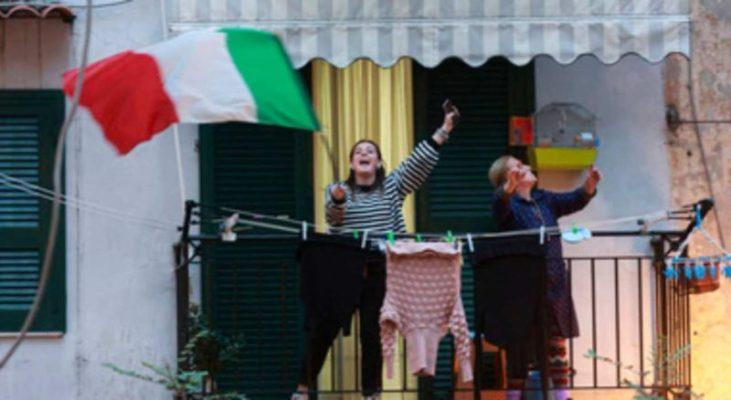 Sui balconi o alla radio, il patriottismo italiano fa il giro del mondo: la nazione unita contro il virus
