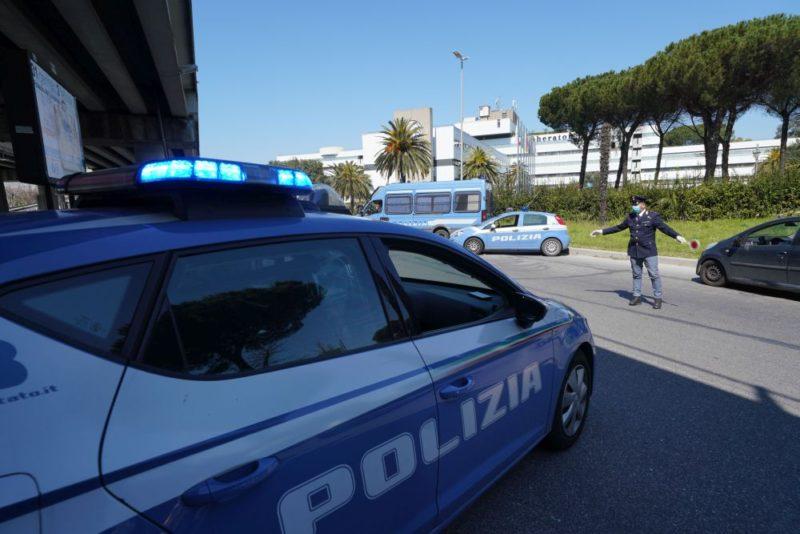Recidivo alla guida senza patente, ciclomotore senza targa e assicurazione: 46enne di Adrano nei guai