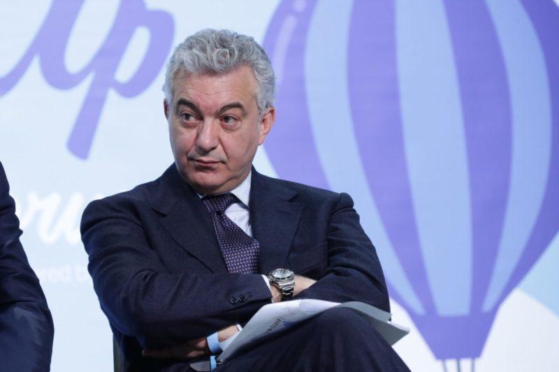 Mascherine cinesi, l'ex commissario per l'emergenza Covid Domenico Arcuri indagato per peculato