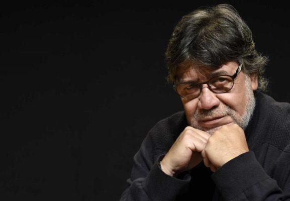 """Addio a Luis Sepulveda, lo scrittore de """"La gabbianella e il gatto"""": era positivo al Coronavirus"""