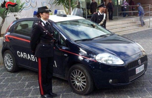 Coronavirus, incontri con gli amici, passeggiate e spostamenti in auto: ancora controlli dei carabinieri