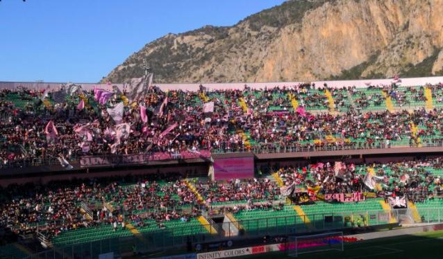 Dieci calciatori positivi nel Palermo: a rischio rinvio anche la gara col Catanzaro