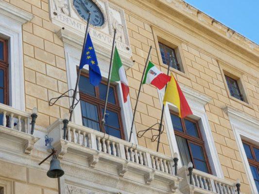 """Festa della Liberazione, celebrazione silenziosa e insolita a Palermo. Orlando: """"Fermi i valori democratici"""""""