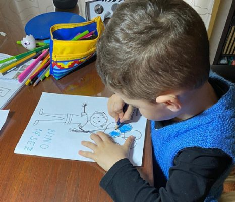 """""""Un mondo colorato di blu"""" per i bambini del Circolo Didattico """"Fava"""" di Mascalucia"""