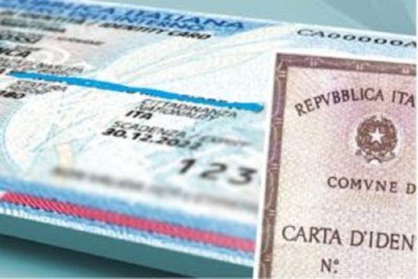 In aeroporto con carta d'identità falsa, arrestato in Sicilia cittadino mauriziano