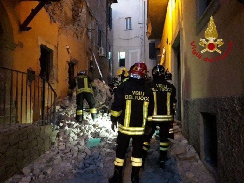 Esplode una palazzina in provincia di Roma, ferite due donne e una bimba