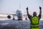 Caos in aeroporto, operaio si reca in ospedale per una frattura e scopre di essere positivo