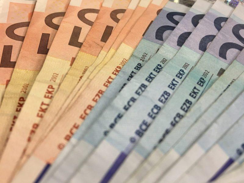 Banche, nel 2019 in lieve aumento le retribuzioni dei manager