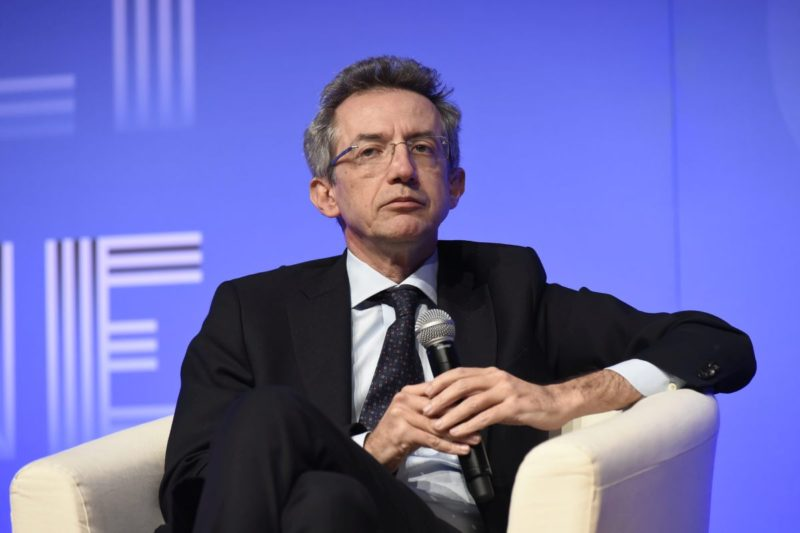 """Università, ministro Manfredi: """"A luglio possibili lauree ed esami in presenza. Ritorno in aula a settembre"""""""