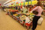 A maggio in calo la fiducia di consumatori e imprese