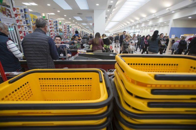 Emergenza Covid: in arrivo Card spesa per altre 209 famiglie del catanese