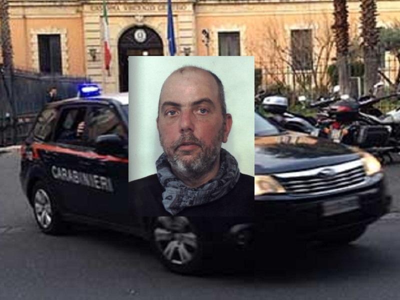 In giro per Catania malgrado la misura restrittiva, in casa contatore manomesso: nei guai Lorenzo Riela