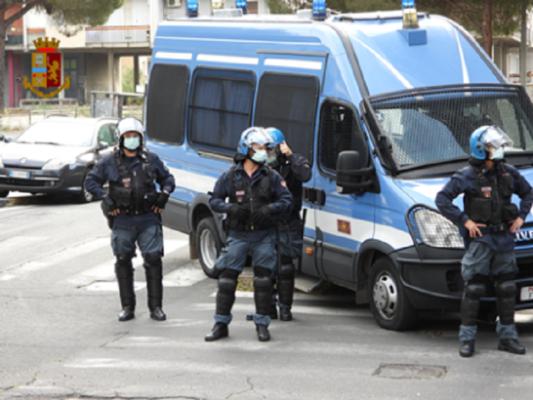 Catania, operazione in via Zia Lisa: arrestato un pregiudicato e 5 denunciati per vari reati – FOTO