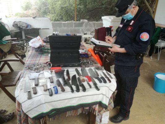 Armi, droga e macellazione clandestina: arrestati coppia di coniugi e un complice