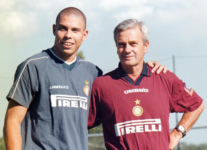 Lutto nel mondo del calcio: addio a Gigi Simoni, l'allenatore gentiluomo