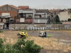 Paura nel Catanese, ciclista vittima di un incidente: elisoccorso lo trasporta in ospedale